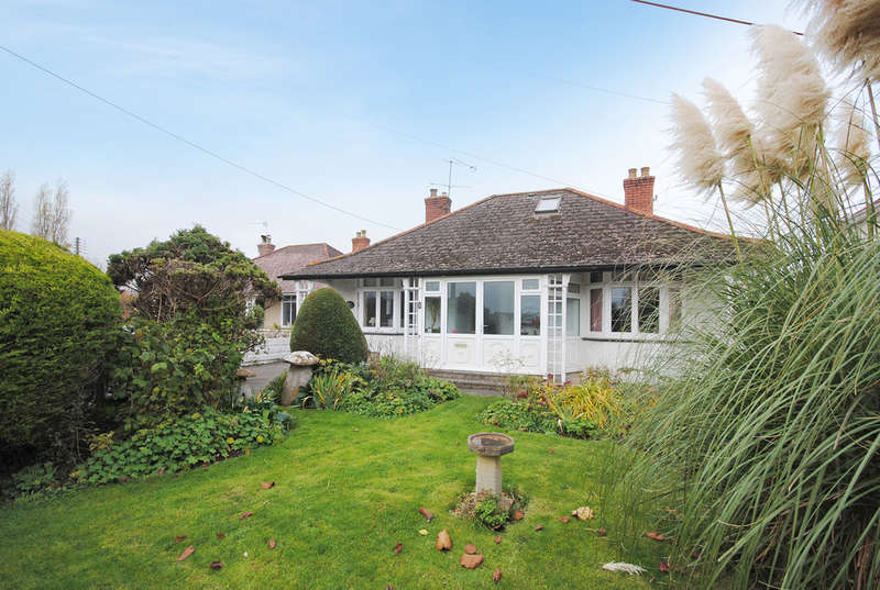 2 Bedrooms Detached Bungalow for sale in Barrows Road, Cheddar