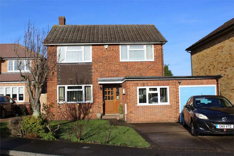 3 Bedrooms Detached House for sale in Rutland Place, WIGMORE, Gillingham, Kent