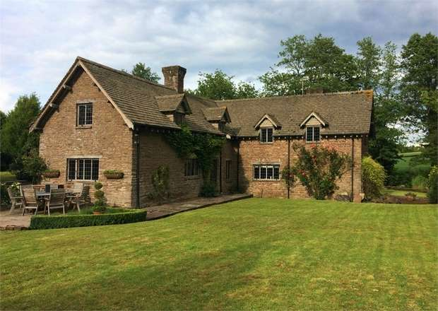 5 Bedrooms Detached House for sale in The Hendre, Orcop, Hereford