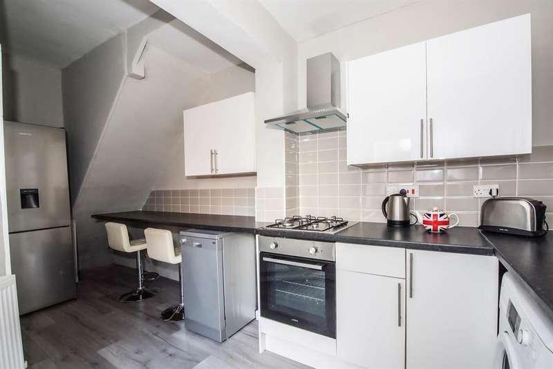 4 Bedrooms Terraced House for rent in Creten Road, Wavertree, Liverpool, L15 0HR
