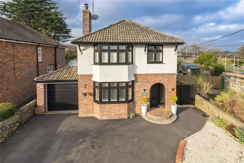 3 Bedrooms Detached House for sale in Newtown, Milborne Port, Sherborne, Somerset, DT9