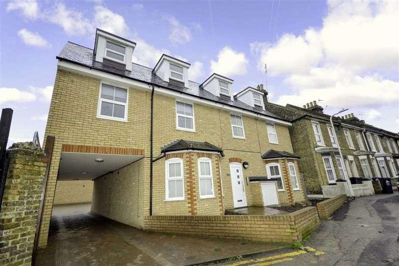 3 Bedrooms Flat for sale in Southwood Road, Ramsgate, Kent