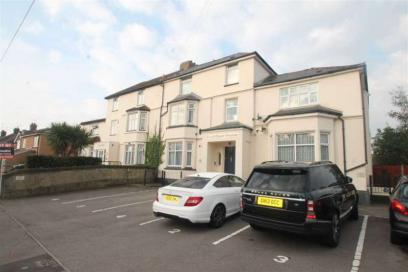2 Bedrooms Apartment Flat for sale in Southfleet House, Stanhope Road, Swansombe