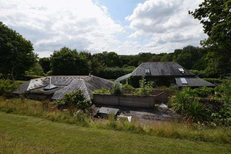 3 Bedrooms Property for sale in Callington, Callington
