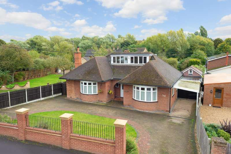 4 Bedrooms Detached Bungalow for sale in Rochester Road, Aylesford, ME20