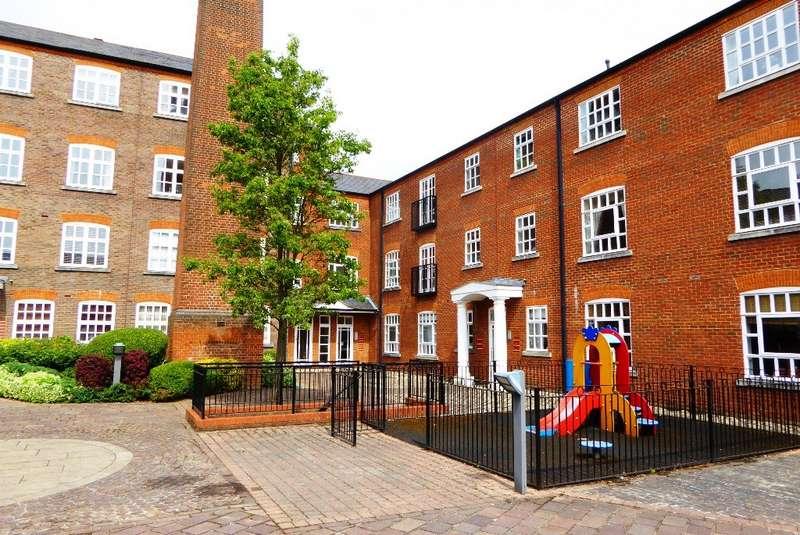 2 Bedrooms Flat for rent in Milliners Court AL1
