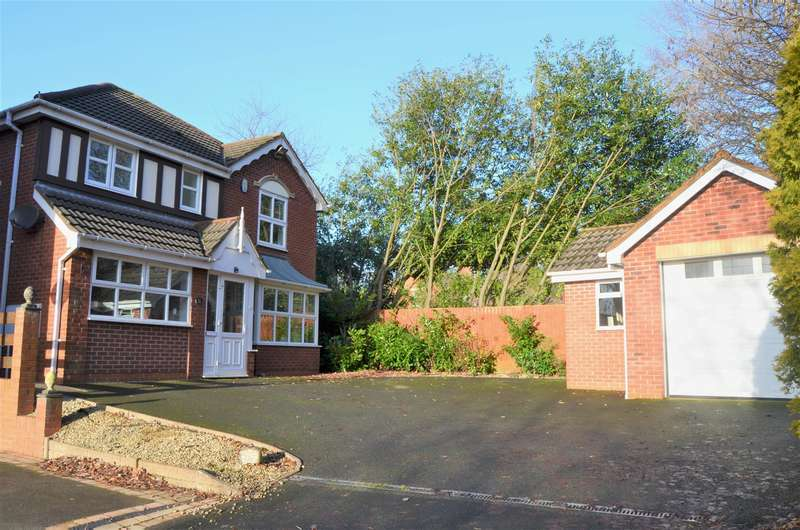 4 Bedrooms Detached House for sale in Winrush Close, Lower Gornal, DY3 2NE