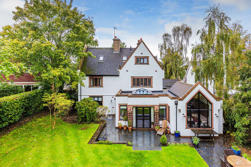 5 Bedrooms Detached House for sale in East Hill Road, Oxted, RH8
