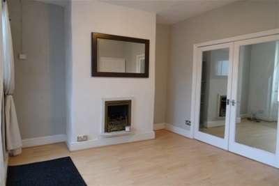 2 Bedrooms House for rent in Jubilee Road, Crosby, L23 3BG