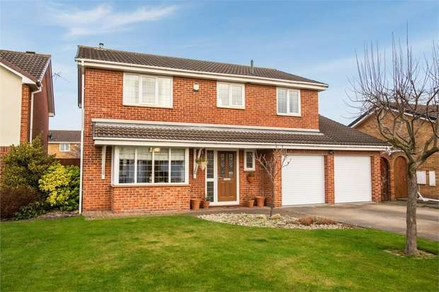 4 Bedrooms Detached House for sale in Fowler Close, Yarm, North Yorkshire