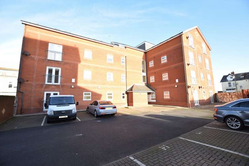 2 Bedrooms Ground Flat for sale in Osborne Road, Blackpool