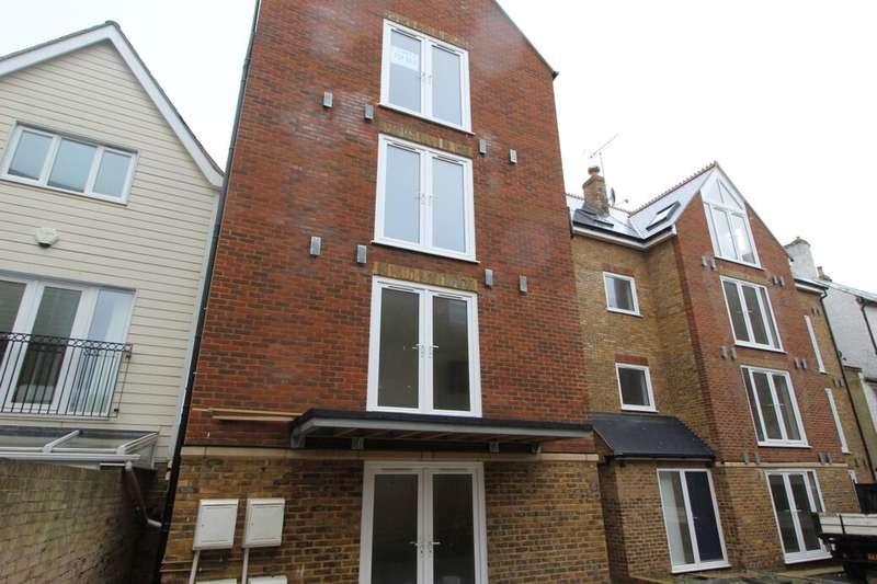 2 Bedrooms Flat for sale in St Mary's Road Albion Street, Broadstairs, CT10