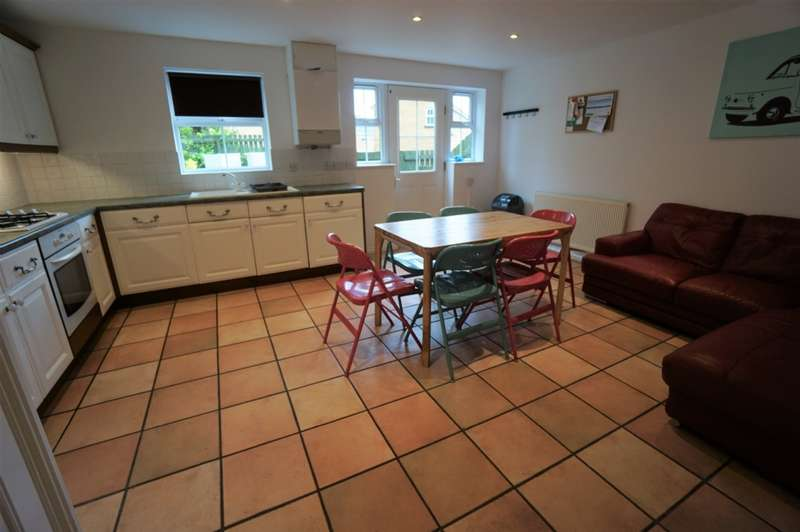5 Bedrooms House for rent in Wright Way, Stoke Park, BS16