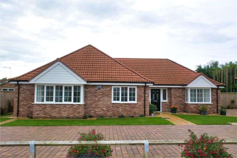 3 Bedrooms Property for sale in Oak Way, Heckington NG34