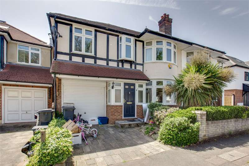 4 Bedrooms Semi Detached House for sale in Spring Gardens, Woodford Green, Essex, IG8
