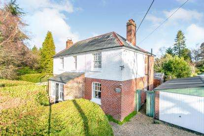 4 Bedrooms Detached House for sale in Alderholt, Fordingbridge, Dorset
