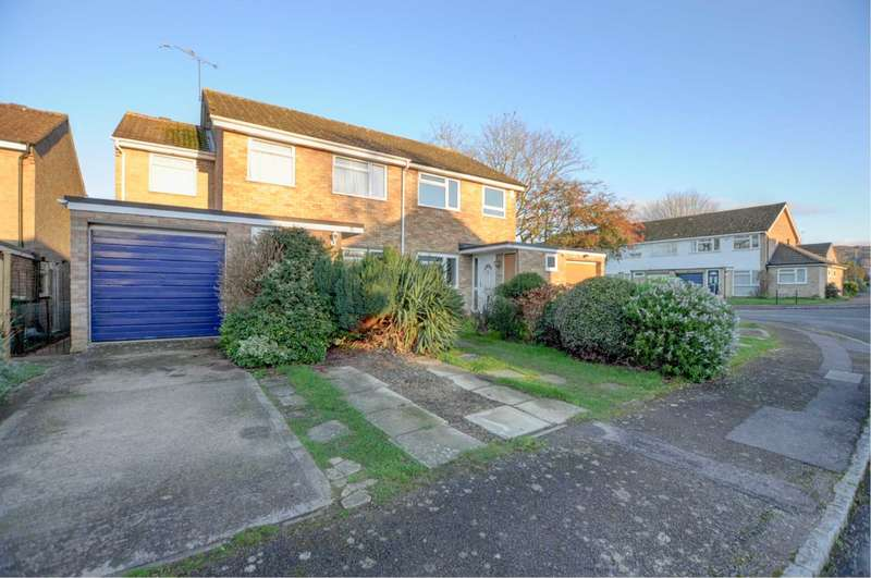 4 Bedrooms Semi Detached House for sale in Cowleaze, Chinnor