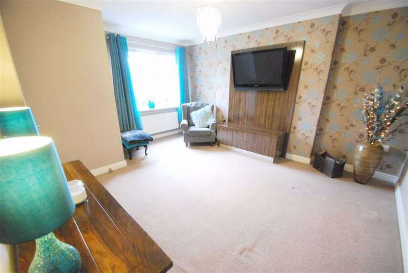 4 Bedrooms Detached House for sale in Station Close, Radcliffe, Manchester, M26