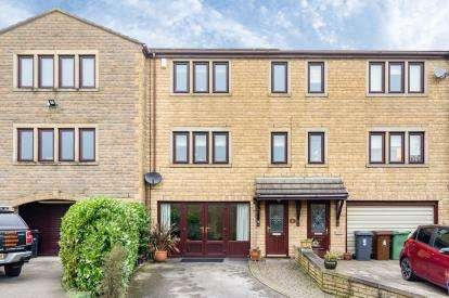 3 Bedrooms Terraced House for sale in Acresfield, Colne, Lancashire, BB8