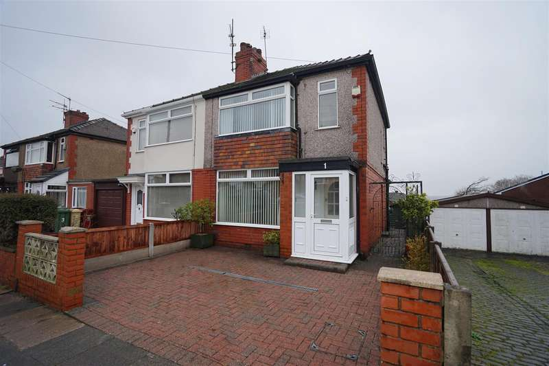 3 Bedrooms Property for sale in Hillside Avenue, Horwich, Bolton