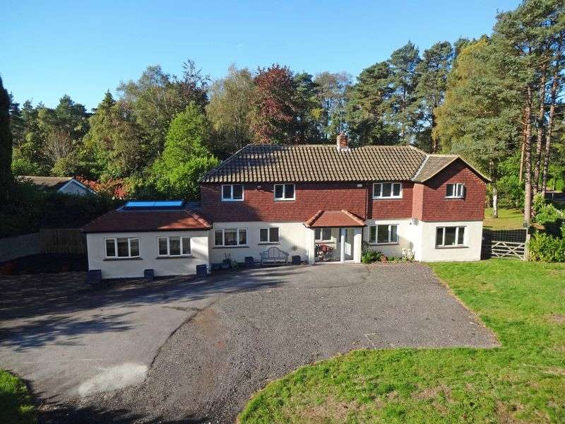 5 Bedrooms Property for sale in Kingswood Firs, Grayshott