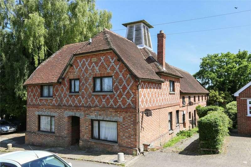 6 Bedrooms Detached House for sale in Farm Lane, Great Bedwyn, Marlborough, Wiltshire, SN8