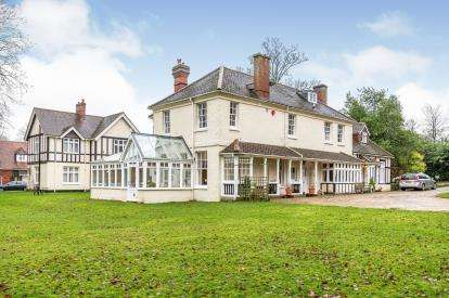 2 Bedrooms House for sale in 103 High Street, Lyndhurst, Hampshire