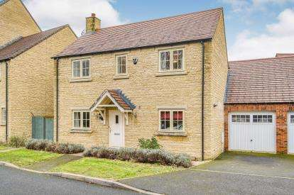 3 Bedrooms Detached House for sale in Trubshaw Way, Moreton-In-Marsh, Gloucestershire