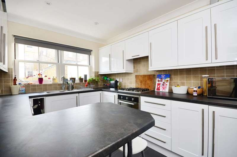 3 Bedrooms House for rent in Bass Mews, East Dulwich, SE22
