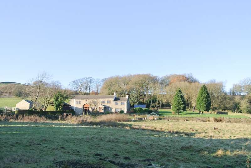 5 Bedrooms Farm House Character Property for sale in Slades Lane, Helme, Holmfirth, HD9