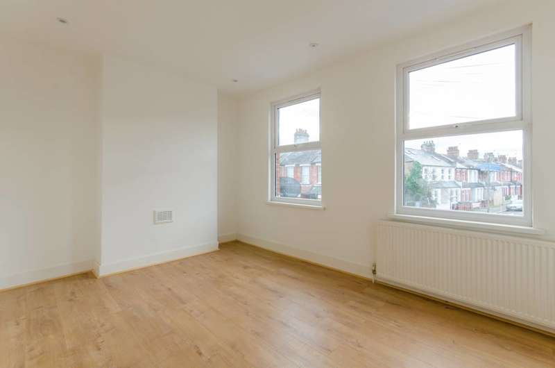 2 Bedrooms House for sale in Oulton Road, Tottenham, N15