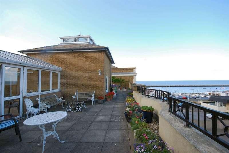 1 Bedroom Retirement Property for sale in Pier Avenue, Herne Bay