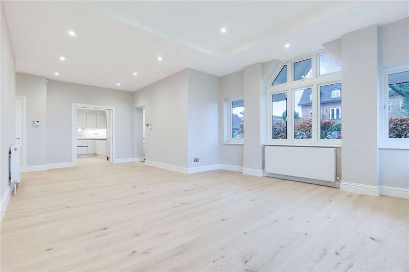 2 Bedrooms Flat for sale in Oakwood Hall, Eyhurst Park, Outwood Lane, Tadworth, KT20