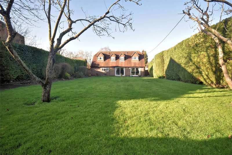 4 Bedrooms Detached House for sale in Mill Lane, Weston Turville, Bucks
