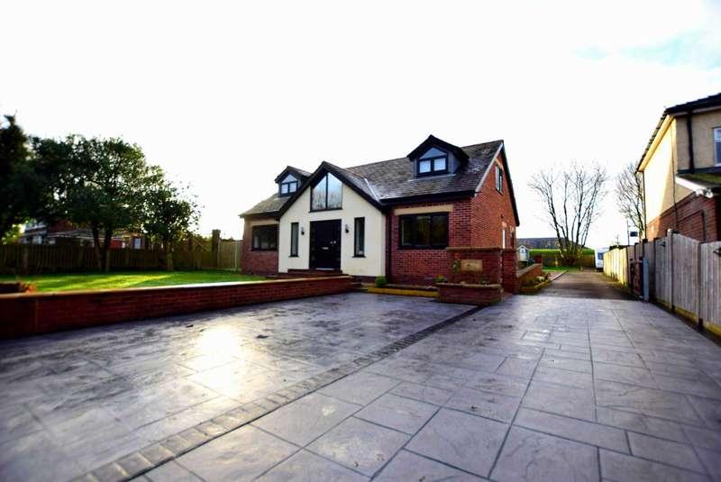 5 Bedrooms Chalet House for sale in `Applegarth`, Rosemary Lane, Bartle, Preston, PR4 0HB