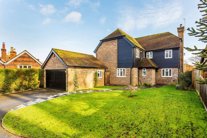 5 Bedrooms Detached House for sale in Marsh Green Road, Marsh Green, TN8