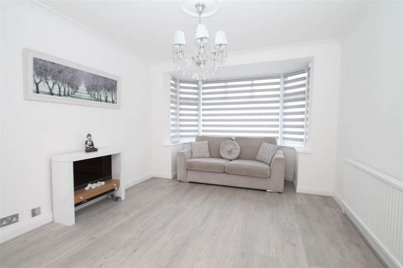 3 Bedrooms Semi Detached House for sale in New Park Avenue, London N13