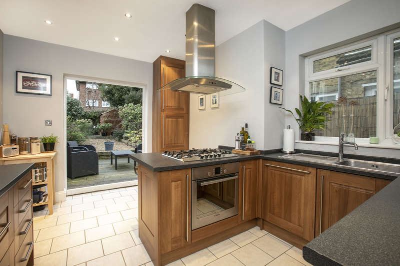 3 Bedrooms Terraced House for sale in Maitland Road, Sydenham