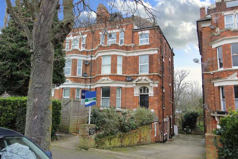 1 Bedroom Flat for sale in 28 Shorncliffe Road, Folkestone, Kent CT20 2NA