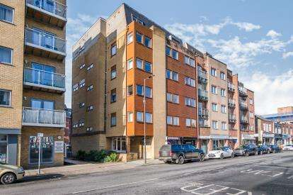 2 Bedrooms Flat for sale in 78 High Street, Portsmouth, Hampshire