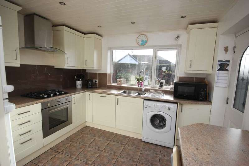 3 Bedrooms Detached House for sale in Quarry Clough, Stalybridge