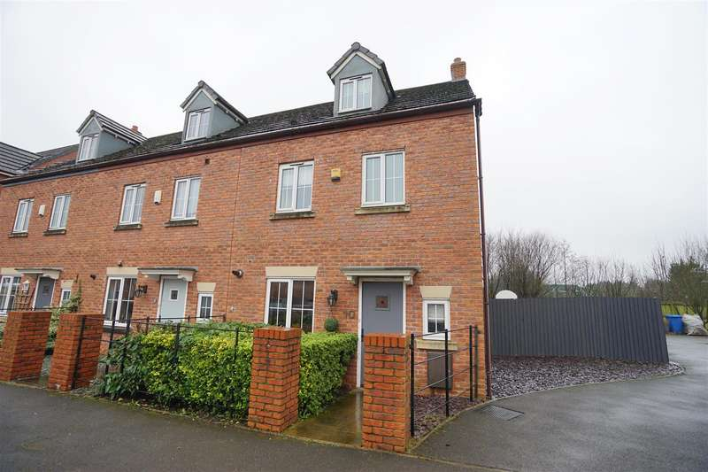 4 Bedrooms Town House for sale in Maytree Court, Adlington, Chorley