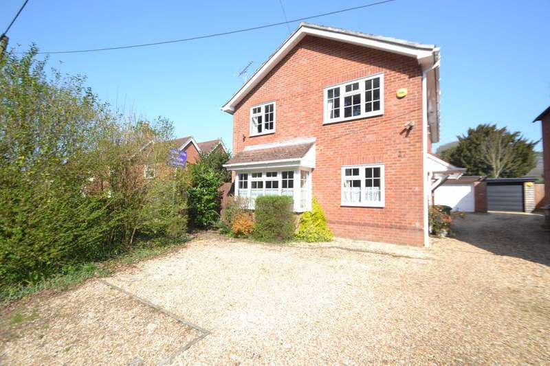 4 Bedrooms Detached House for sale in Liphook Road, Whitehill, GU35