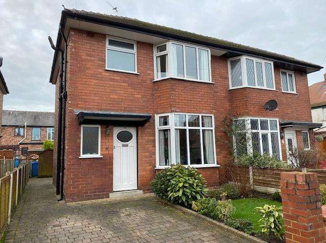 2 Bedrooms Semi Detached House for sale in Browning Avenue, Lytham