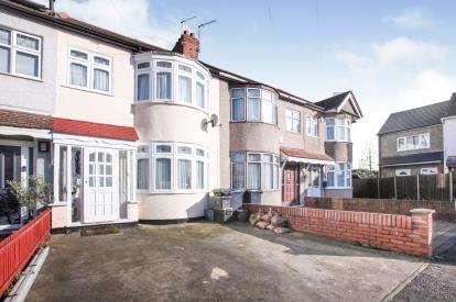 3 Bedrooms Terraced House for sale in Cedar Avenue, Waltham Cross, Hertfordshire