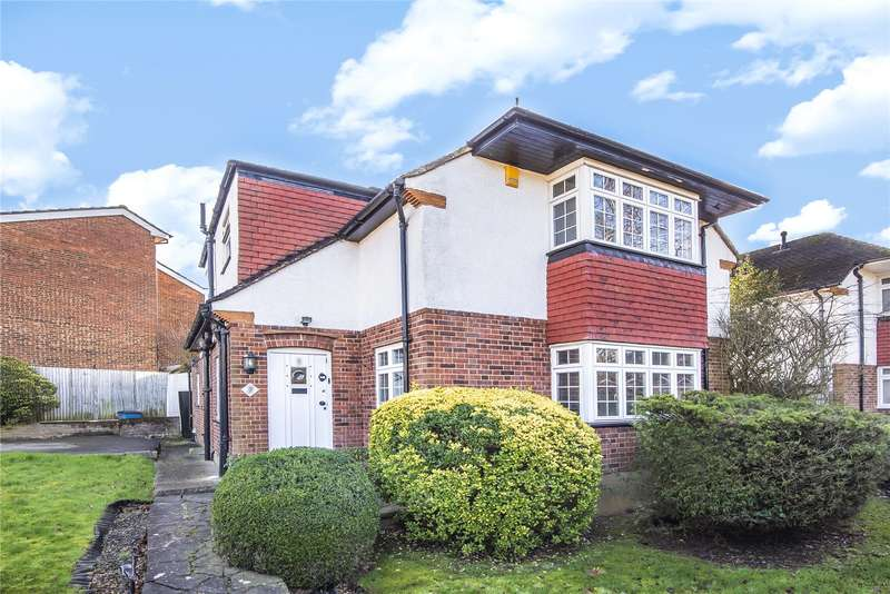 3 Bedrooms Detached House for sale in Coombe Road, Bushey, WD23