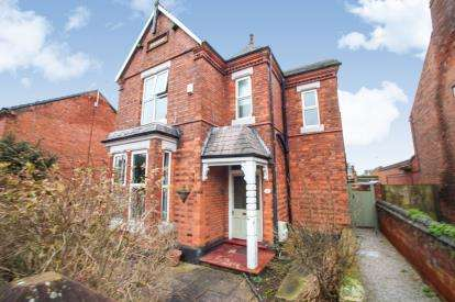 4 Bedrooms Detached House for sale in Weaver Street, Winsford, Cheshire