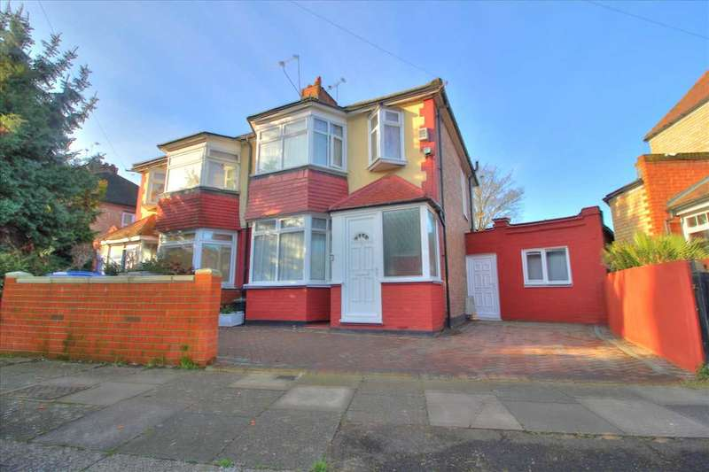 4 Bedrooms Semi Detached House for sale in Stanley Road, London