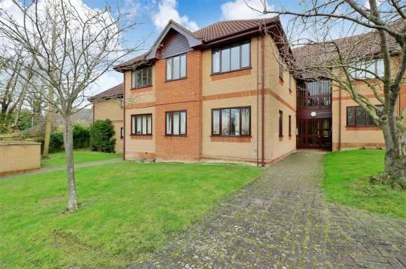 2 Bedrooms Apartment Flat for sale in Shaftesbury Way, Royston