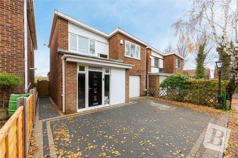 3 Bedrooms Detached House for sale in Templar Drive, Gravesend, Kent, DA11